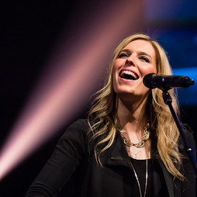 London Gatch by John Edwin May - People Musicians & Entertainers ( london gatch, female, singer, elevation worship concert,  )