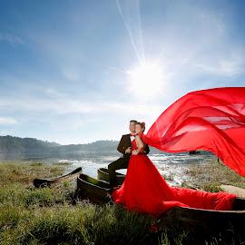Prewedding in Red Gown by Rinaldi Motoholic - Wedding Other ( wedding photos destination, glamour, wedding photography, prewedding, wedding photographer, bride, groom )