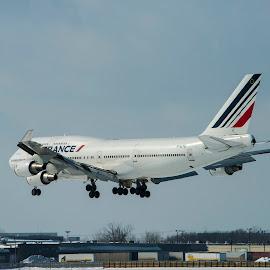 Landing by Daniel Thomas - Transportation Airplanes ( air france, airport, 747, landing, plane, boeing )