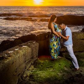 Silvia and Luna the baby girl by Victor Martinez - People Maternity ( laguna beach, flash, waves, california, ocean, beach, beauty, mom, fitmom, mother, shoot, woman, sunset, light, golden hour )