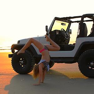 Jeep Handstand.jpg