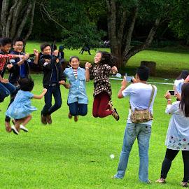 Ready 1.2.3 by Aung Kyaw Soe - People Street & Candids