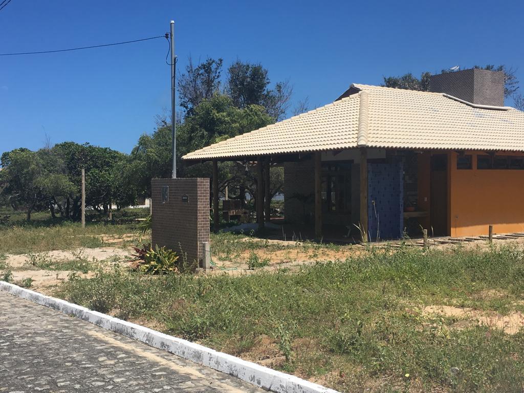 Casa em Condomínio fechado na Praia de Coqueirinho!