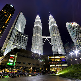 Petronas Twin Towers & Buildings by Halim Jaya - Buildings & Architecture Architectural Detail