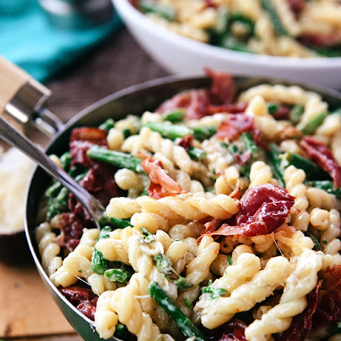 Asparagus Lemon Cream Pasta with Crispy Prosciutto
