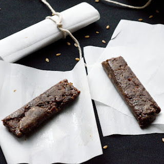 Chocolate + Peanut Butter Energy Bars