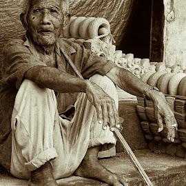 Old Man by Firman Nurdiansyah - People Street & Candids