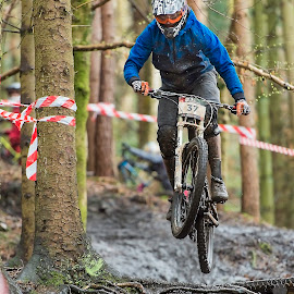 by Nick Moor - Sports & Fitness Cycling ( dh, downhill, racing, mtb, hop )