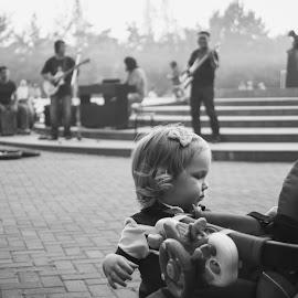 Childhood by Alexandr Gareev - People Street & Candids ( child, musicians, sony a200, street, children )
