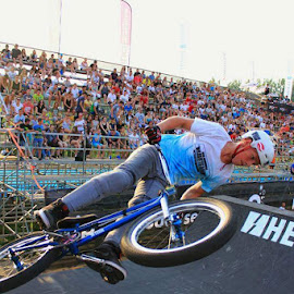 extreme bmx by Dominik Lalic - Sports & Fitness Cycling ( extreme, blue, event, croatia, sports, bmx, dangerous, angle, photography )