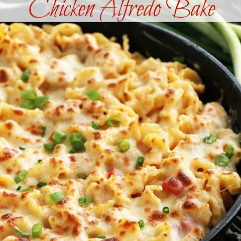 Roasted Red Pepper Chicken Alfredo Bake