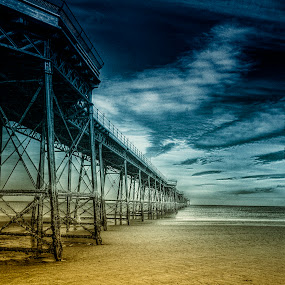 Queen's Pier by CLINT HUDSON - Landscapes Travel ( ramsey, seascape, queen's pier )