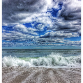 Salisbury waves and clouds by Rob King - Landscapes Beaches ( clouds, waves, sea, ocean, seascape, beach )