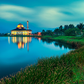 Darul Quran Mosque by Azri Suratmin - Travel Locations Landmarks ( darul quran mosque, azri, blue hour, azrisuratmin )