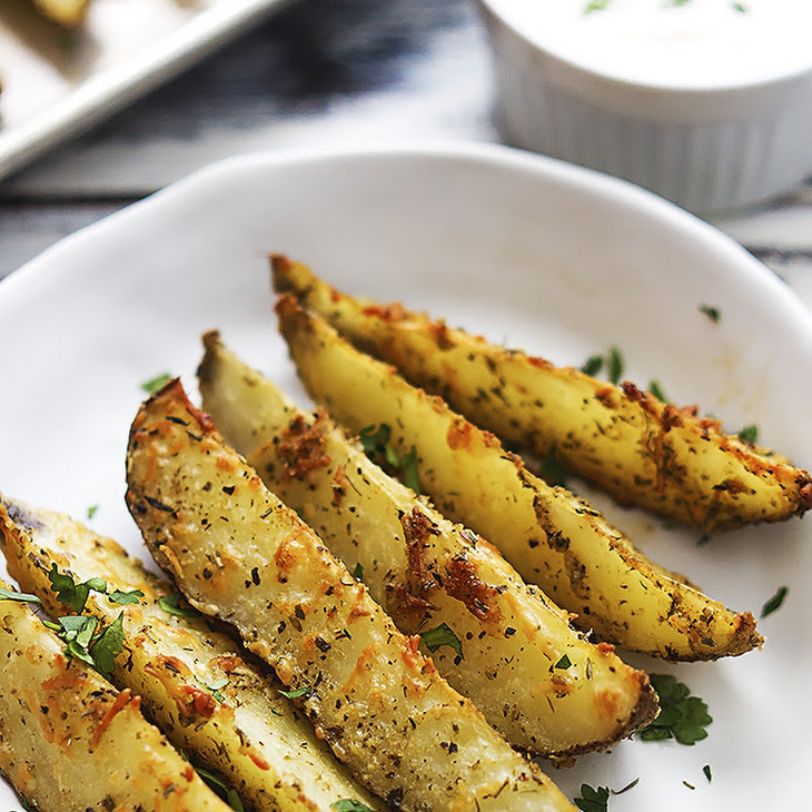 Baked Garlic Parmesan Potato Wedges Recipe | Yummly