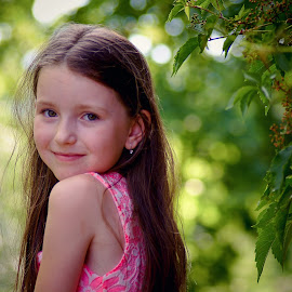 Tanja by Jiri Cetkovsky - Babies & Children Child Portraits ( child, girl, trees, tanja, portrait )