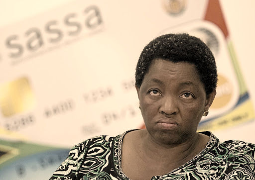 Bathabile Dlamini throws Sassa CEO under the bus
