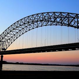 The Hernando de Soto Bridge in Memphis at Sunset by Billy Morris - Buildings & Architecture Bridges & Suspended Structures ( tn, memphis, new bridge, sunset, landscape, bridges )