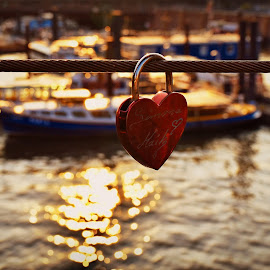 A ❤️ Waiting for sunset !  by Nelida Dot - Artistic Objects Signs ( love, red, hamburg, sunset, lock, bridge,  )