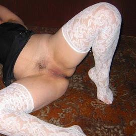 София by Georgi Kolev - Nudes & Boudoir Artistic Nude ( бельо., килим., черен., тъмнина., бял., жена. )