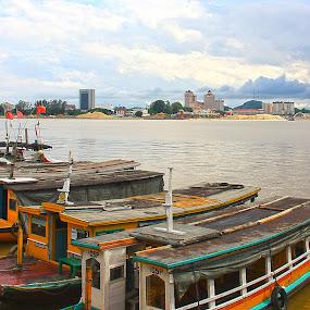 Lineup by Mohd Rashidin Ideres - Transportation Boats ( seberang takir, kuala terengganu, water taxi, malaysia, jetty, bot penambang )