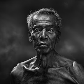 by Zulkifli Omar - People Portraits of Men ( senior citizen )