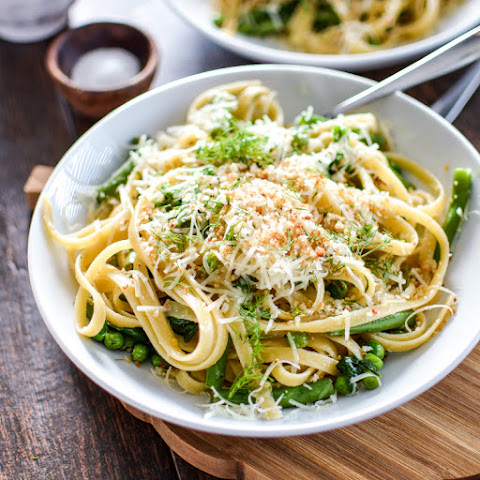 Pasta with Garlic Infused Olive Oil and Green Veggies