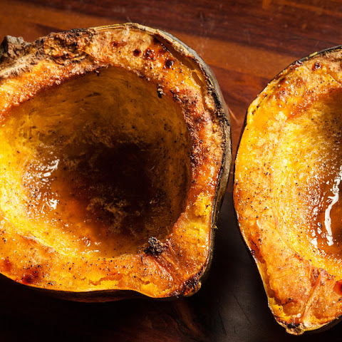 Easy Roasted Acorn Squash