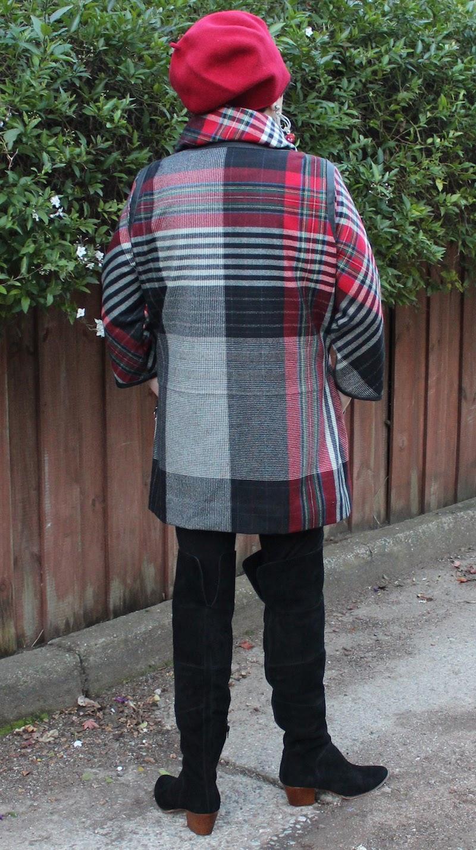 King Cole Ladies Hats /& Scarves Fashion Crochet Pattern 3652 DK KCP-3652