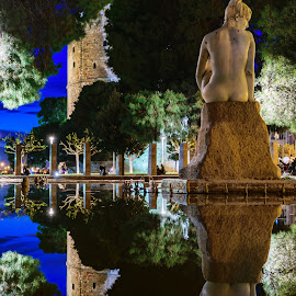 white tower statue by John Triantafillopoulos - Buildings & Architecture Statues & Monuments ( water reflection, statue, thessaloniki, greece, fountain, night )