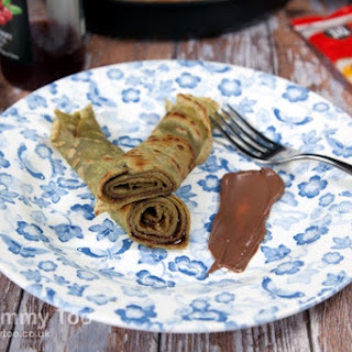 Matcha Tea Pancakes With Chocolate Sauce