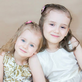 Sisters by Jenny Hammer - Babies & Children Child Portraits ( girls, sisters, bffs, siblings, cute )