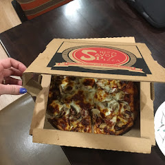 Mushroom bacon pizza