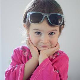 sabrina vidican by Visoiu Vlad - Babies & Children Child Portraits ( pose, sun glasses, children, sabrina vidican, portrait )