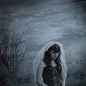 The Dark Bride by Ryan Alamanda - Wedding Bride