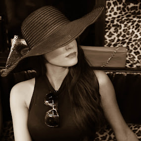The Hat by Scott Murphy - People Fashion