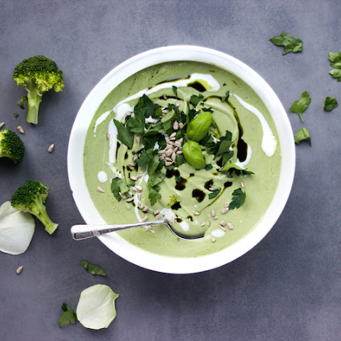 Detox Coconut and Broccoli Soup