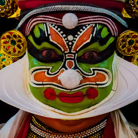 The Face Of The Chronicler-13 by Vijayanand Kandasamy - People Musicians & Entertainers ( face, dance form, kathakali dancer, traditional dance, kerala, painted faces, colours, face colours, colour, kerala traditional dance, tradition, kathakali dance, dance, dancer, kathakali,  )