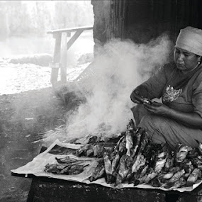 grilled fish by Airul Hidayat - People Street & Candids