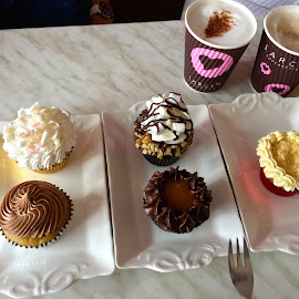 cupcakes and coffee by Liza Del Rosario - Food & Drink Cooking & Baking ( clark, mommy, nilo, badz, milen, kyle,  )