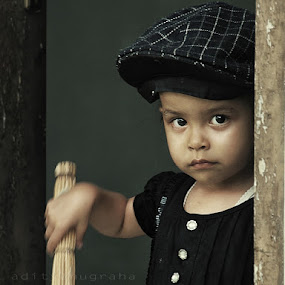 The Girl Next Door by Aditya Nugraha - Babies & Children Children Candids ( little girl, girl )