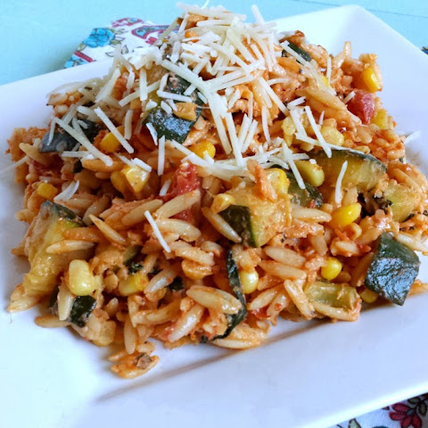 Spicy Orzo with Corn, Zucchini and Goat Cheese
