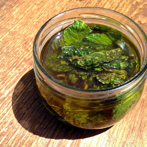 How To Make Peppermint Oil