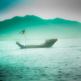 The Boat in Pichola Lake Udaipur Rajasthan by Rahul Joshi - Novices Only Objects & Still Life