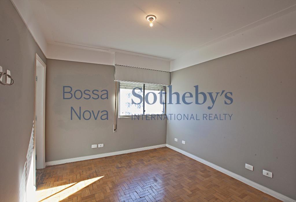 Apartamento com ótima localização e  modernizado.