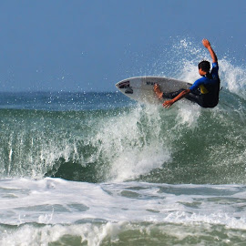 Surfing by Renette van der Merwe - Sports & Fitness Surfing