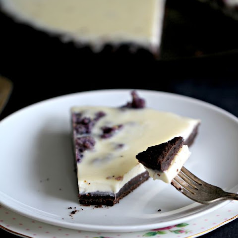 Vanilla Bean Panna Cotta Tart with a No Bake Chocolate Crust