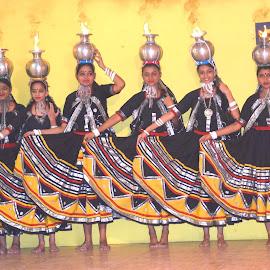 KALBELIA DANCERS by SANGEETA MENA  - People Musicians & Entertainers