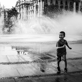 by Sebastien Brenci - Novices Only Portraits & People ( water, child )