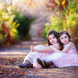 Sisters by Liz Straight - Babies & Children Child Portraits ( canon, portraiture, san diego, girl, california, beautiful, children, child portrait, pink, woods, portrait )